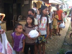 street children receiving food relief