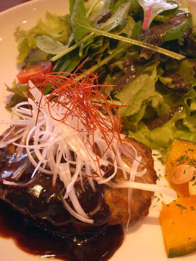 豆腐ハンバーグ 八丁味噌ソース