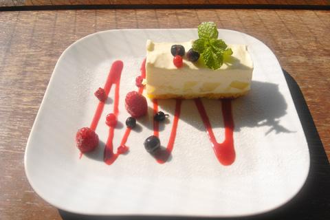 ラフランスのレアチーズケーキ