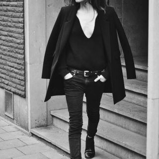 how to style your minimalist wardrobe maximal
