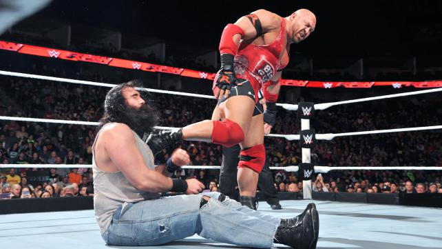 WWE Ryback vs Luke Harper