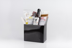Gift Box - (Pack of chillies, hot sauce and Rub)