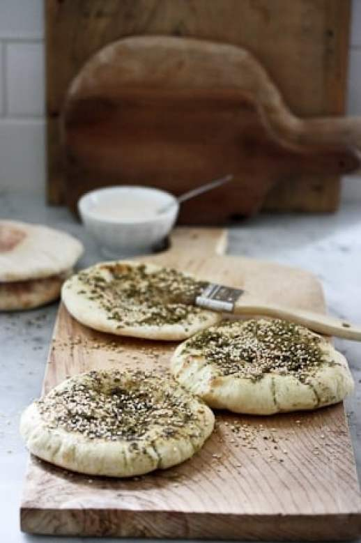Homemade Pita Bread with Zaatar- so easy, a fun thing to do with kids! | www.feastingathome.com