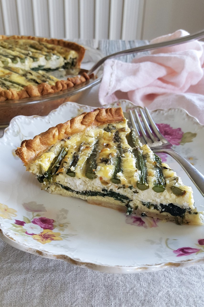 Asparagus Goat Cheese Quiche with Spinach & Thyme