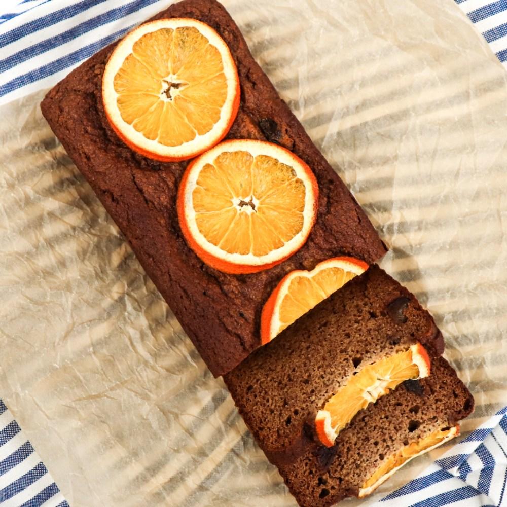 paleo orange date bread // feastofgreen.com