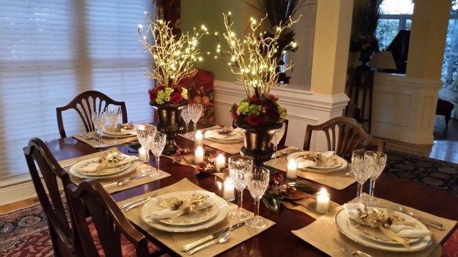 lighted-thanksgiving-table