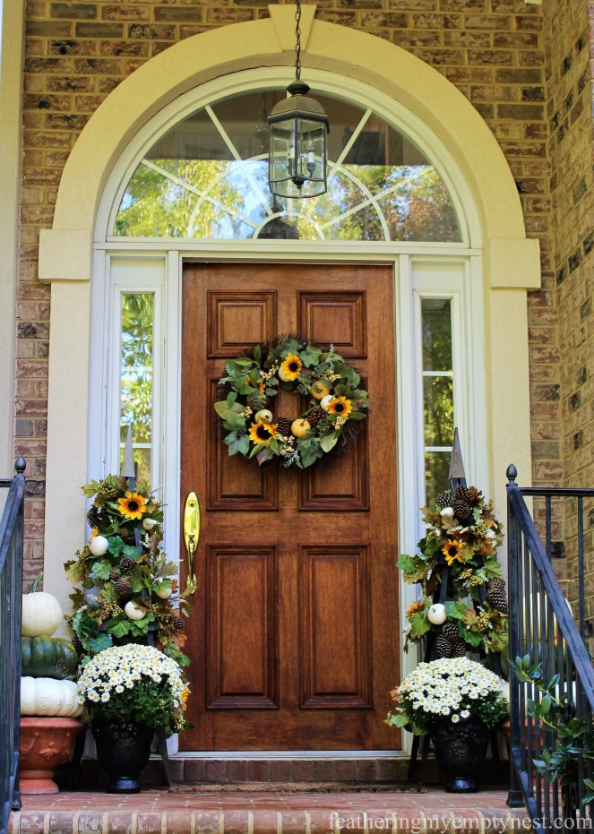 Fall front door decor --Fall Harvest Tablescape