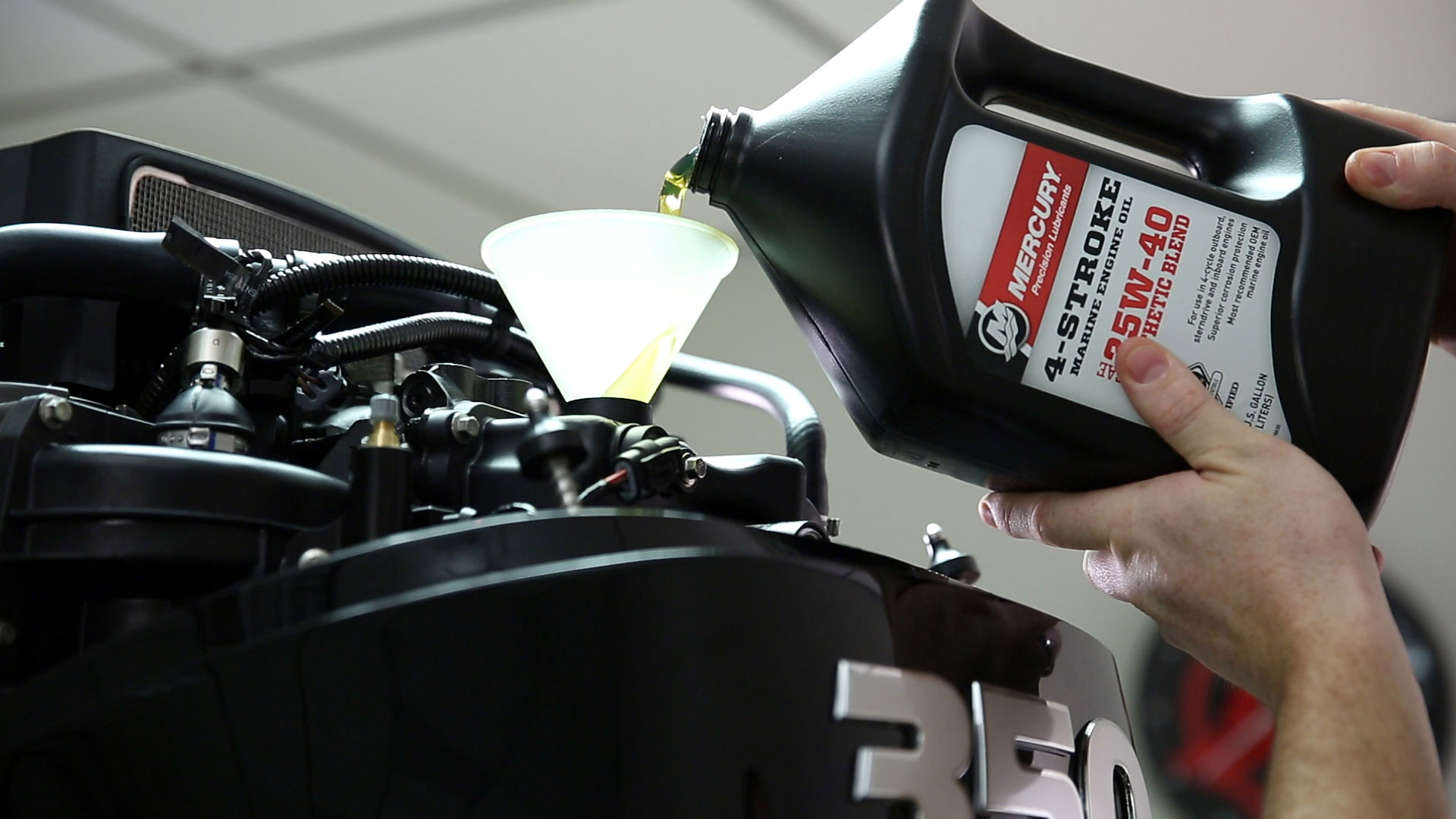 hight resolution of outboard oil