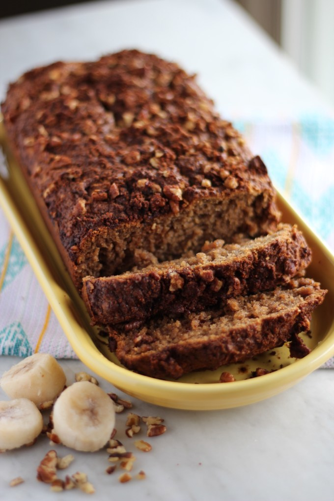 Grain-Free Streusel Banana Bread- a paleo, gluten-free banana bread loaded with pecan cinnamon streusel on top! Delicious for breakfast or dessert! | fedandfulfilled.com