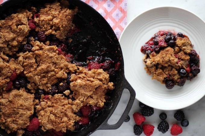 Top 10 Paleo Recipes of 2016 - Skillet Berry Cobbler (Paleo & Vegan) | fedandfulfilled.com