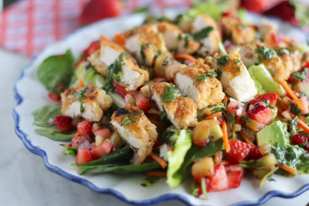 Strawberry Kiwi Salad with Crispy Chicken and Cilantro Vinaigrette - a beautiful salad loaded with color, flavor, and texture! SO GOOD! | fedandfulfilled.com