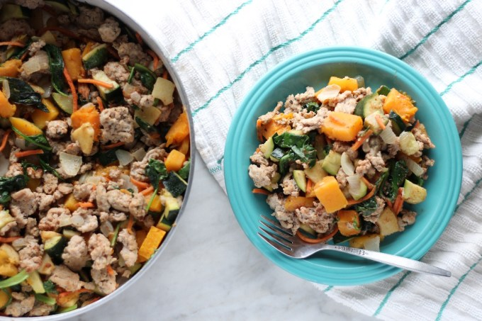 Turkey Apple Breakfast Hash - a rustic, AIP-friendly hash made with ground turkey, sweet apples, butternut squash, and greens! Super healthy and delicious! | fedandfulfilled.com