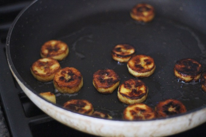 Sweet and Savory Fried Plantains - an easy, 4-ingredient recipe that you can make two ways! Sweet, with coconut butter and cinnamon, or Savory, with garlic and sea salt! | fedandfulfilled.com