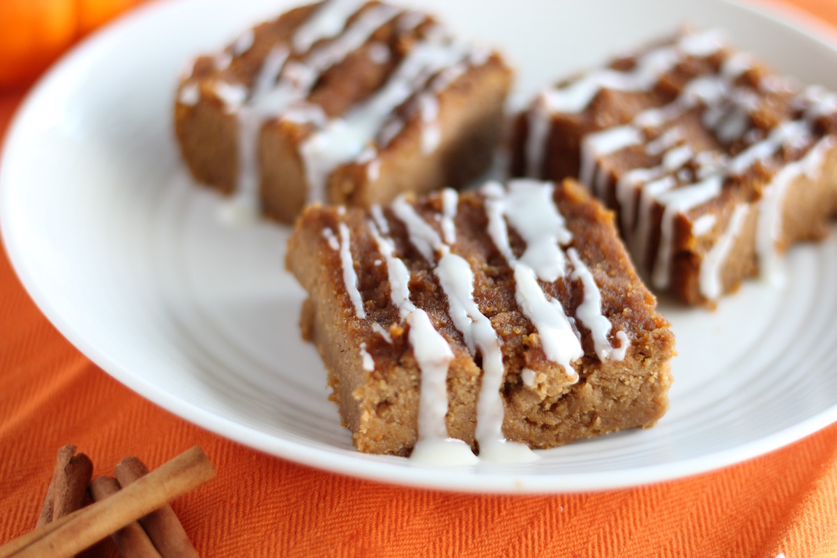 Top 10 Paleo Recipes of 2016 - Paleo Pumpkin Blondies (AIP) | fedandfulfilled.com