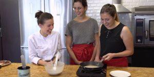 Hello !! Aujourd'hui on se fait une petite recette Auvergnate en toute simplicité avec mes amie Laura et Marie !