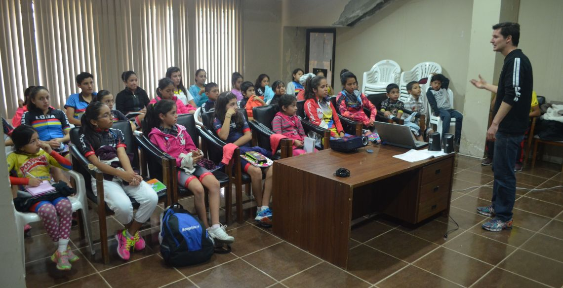Deportistas De Patinaje Recibieron Charla Motivacional