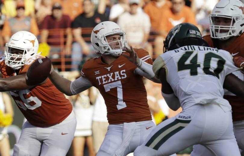 Baylor Texas Football 11139 - Ehlinger injured, but No. 9 Texas survives Baylor 23-17