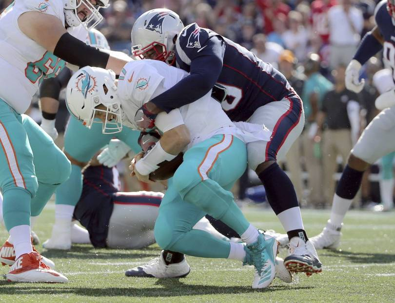 Dolphins Tannehill Football 72122 - Dolphins' Tannehill questionable (shoulder) vs. Bears