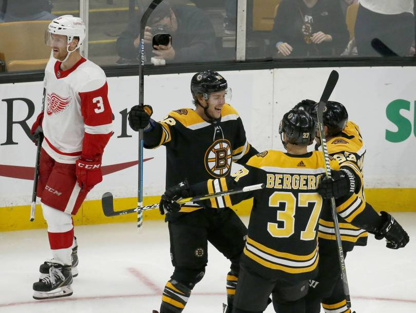 Red Wings Bruins Hockey 56323 - Pastrnak gets hat trick, Bruins rout winless Red Wings 8-2