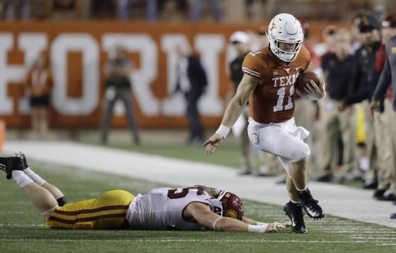 USC Texas Football 22716 - Ehlinger's 2 TD passes lead Texas over No. 22 USC 37-14