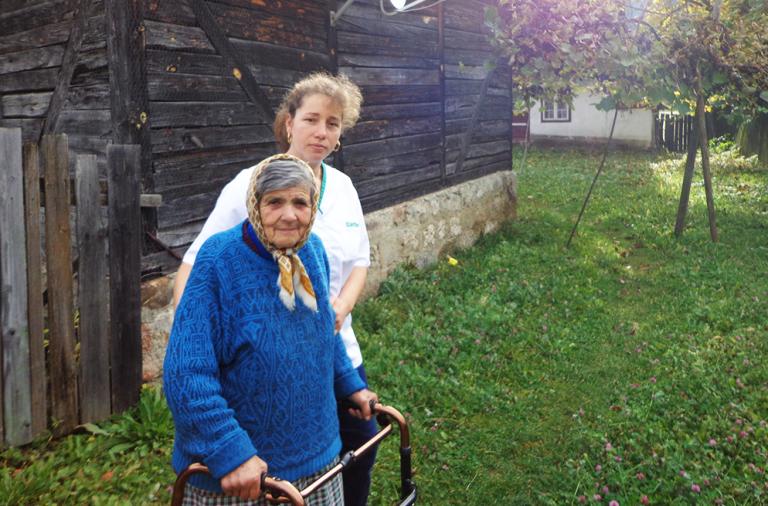 Îngrijitoare bătrâni la domiciliu