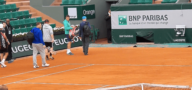 Federer practice interrupted by hail