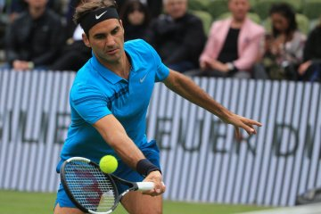 Federer Defeats Pella to Reach Mercedes Cup Semifinals
