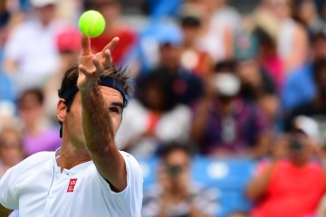 Federer Defeats Mayer at Cincinnati Masters
