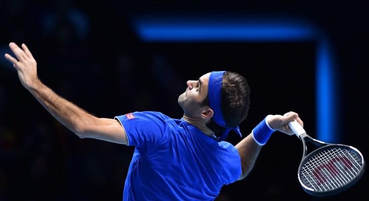 Federer Cruises Past Thiem in London