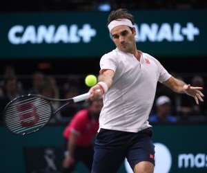 Federer Advances to Paris Masters Semifinals