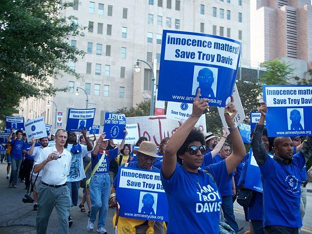 March protesting Davis's execution, Atlanta Sept. 2008--Photo cortesy of Martina Correia