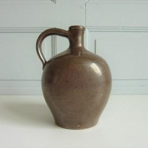 Cruche à eau ancienne grès vernissé