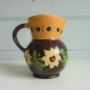 Pichet ancien décors peints à la main