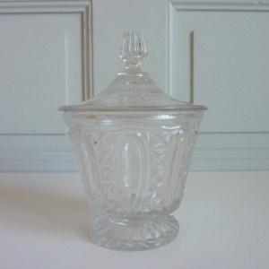 Bonbonnière verre ciselé