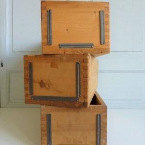 Caisse en bois tiroir ancien avec porte étiquette en métal