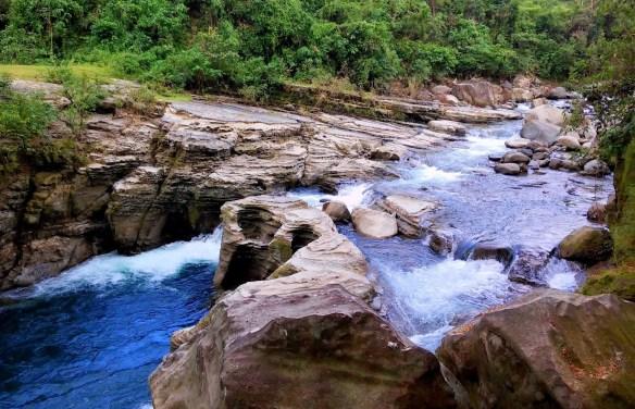 Baroro River Rapids, San Gabriel, La Union.jpg