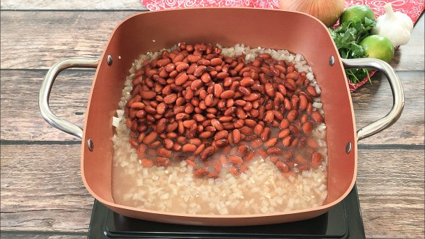 making refried beans with pinto beans