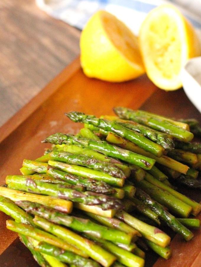 Lemon with asparagus