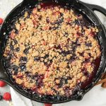 berry crisp in cast iron pan