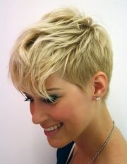 short hairstyles heart shaped