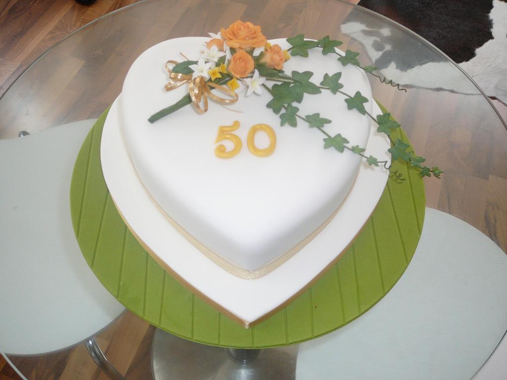 Heart Shaped Wedding Anniversary Cakes