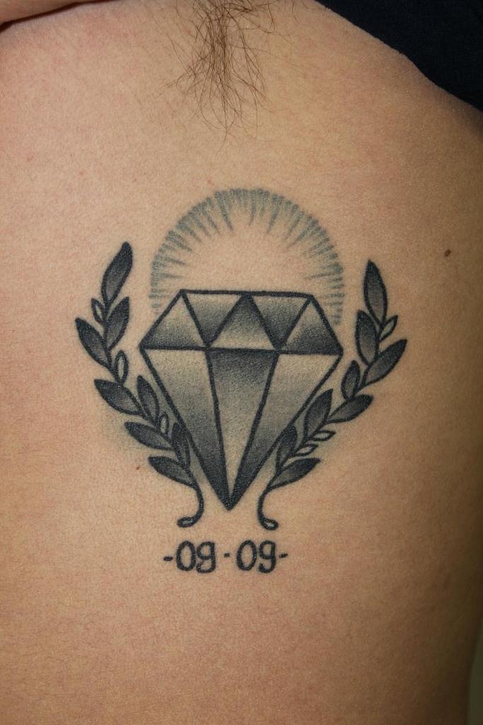 30 Diamond Tattoo Designs Ideas