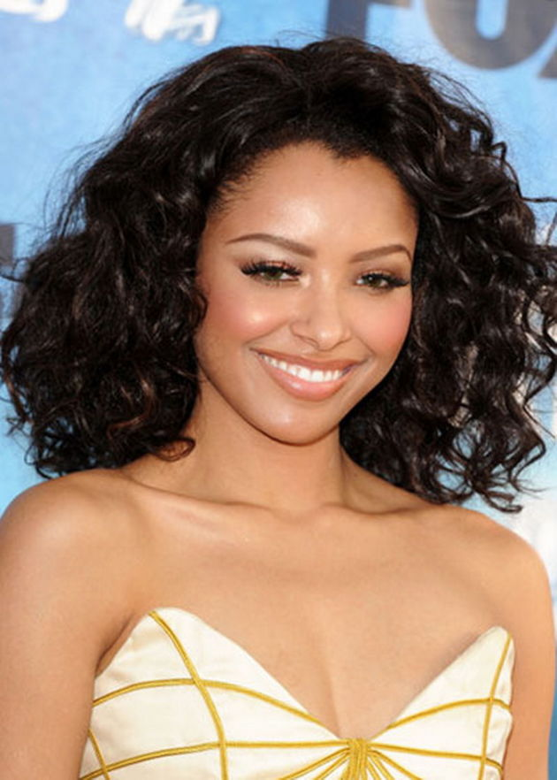 21 Natural Curly Hairstyles Stylish Girls Are Rocking