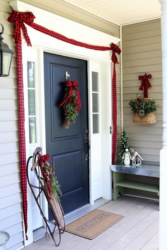 27 Front Door Christmas Decorating Ideas  Feed Inspiration