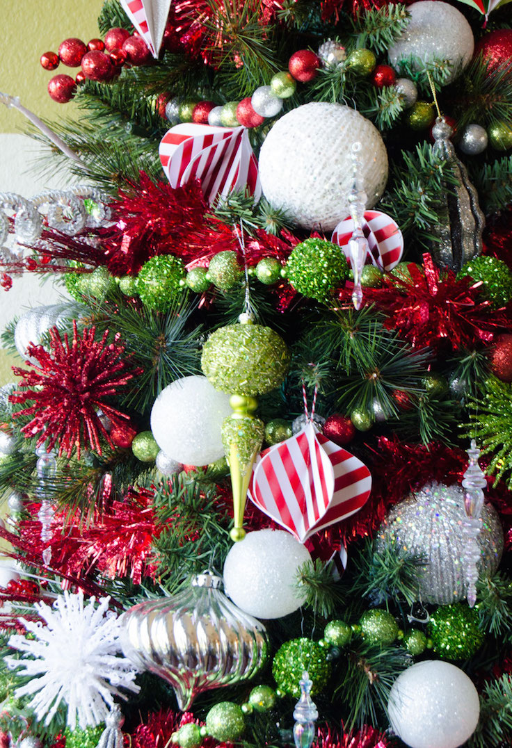 23 Whimsical Christmas Decorating Ideas  Feed Inspiration
