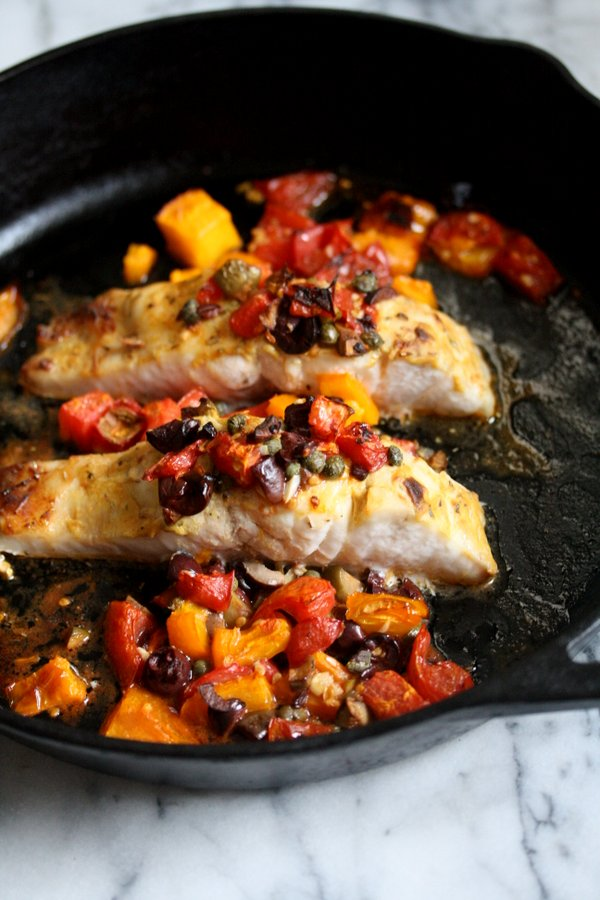Healthy Broiled Striped Bass Recipe With Provencal Tomatoes