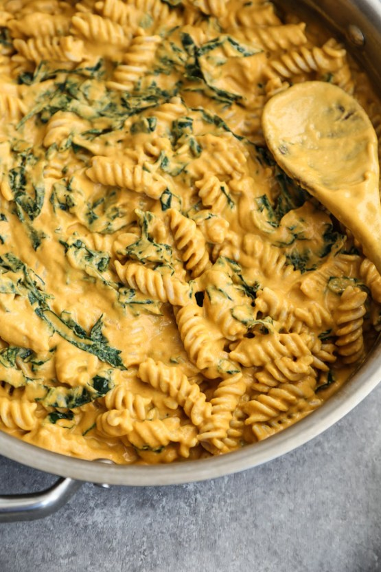 18 Best Vegan Mac & Cheese Dishes You'll Definitely Want to Mac on!