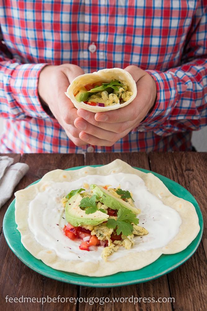 Frühstücksburritos mit Korianderrühreri, Tomatensalsa und Avocado Rezept-1