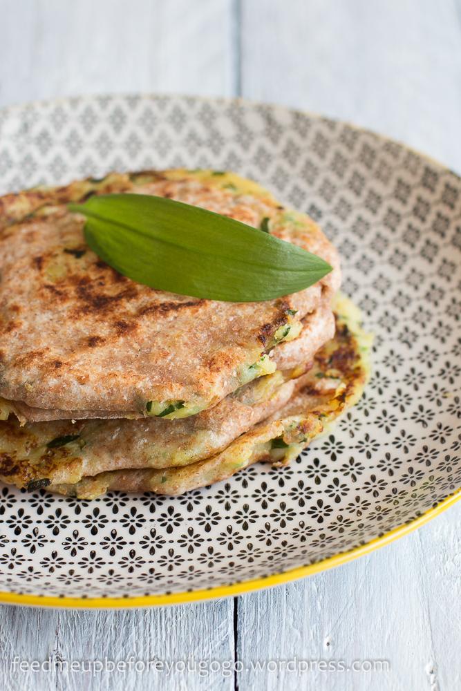 Kartoffel-Bärlauch-Paratha und Gurkensalat mit Kräuter-Nuss-Gremolata Rezept-1