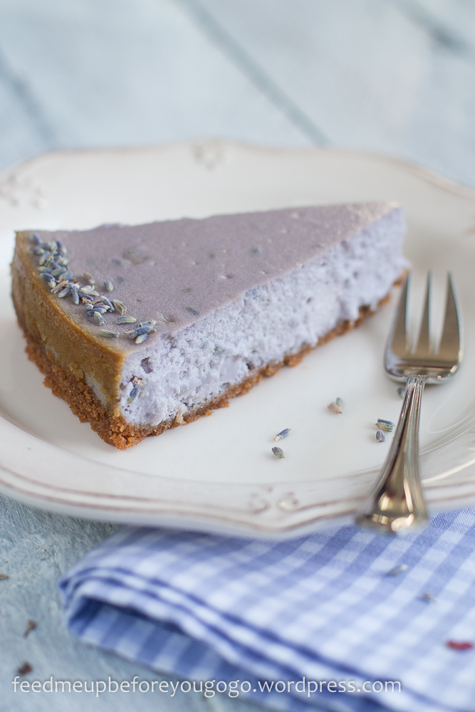 Lavendel-Cheesecake mit weißer Schokolade Rezept Feed me up before you go-go-2